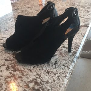 Nine West black booties only worn once in house